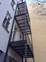 freistehender Anstellbalkon (2), Ralph Bergmann Balkonbauer, Balkon Berlin, Balkonbau Berlin, Balkonbau Brandenburg, polnischer Balkon, Balkongeländer aus Polen, Balkon Brandenburg, Balkonbauer Berlin, Edelstahl Balkon